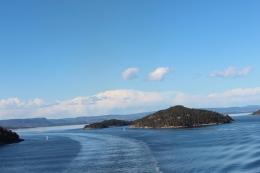 Utsikt fra bak båten.. Norge et sted.